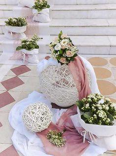 Diy Wedding Backdrop, Wedding Entrance, Church Aisle Decorations, Flower Decorations, Lantern Centerpiece Wedding, Wedding Centerpieces, Red Wedding, Wedding Flowers, Event Decor