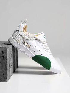 sports shoes 3c810 d621a 3995 delightful Trainers images in 2019   Tennis, Shoes sneakers ...