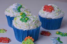 Cupcakes decorados con dinosaurios de glasa. Royal icing dinosaurs cupcakes.
