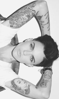 Ruby Rose, marry me pleaaasees Ruby Rose Tattoo, Rose Tattoos, Orange Is The New Black, Hippe Tattoos, Rubin Rose, Pretty People, Beautiful People, Estilo Tomboy, Collateral Beauty