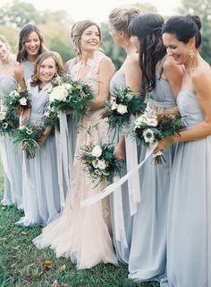 Colors, bouquets, bridesmaids dresses
