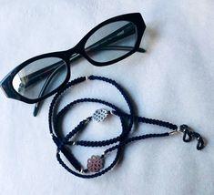 No te pierdas este artículo de mi tienda de #etsy: Collar para tus gafas / Hecho a mano / Modelo macramé / perfecto regalo Collar, Round Glass, Glasses, Etsy, Templates, Knot Bracelets, Lanyards, Sunglasses, Lenses