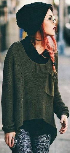 Luanna. Lovelovelove her style- it's like, grunge bohemian. Green cozy sweather and black hat. Looks god with the pink hair.