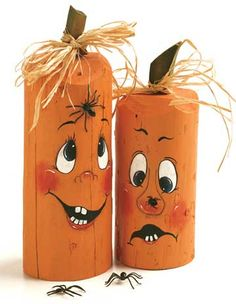DIY Fence Post Pumpkins These easy DIY pumpkin projects will add festive decor to your home. It's time to start decorating for fall with pumpkins! Theme Halloween, Holidays Halloween, Halloween Pumpkins, Halloween Crafts, Halloween Decorations To Make, Pumpkin Decorations, Halloween Clothes, Halloween Labels, Costume Halloween