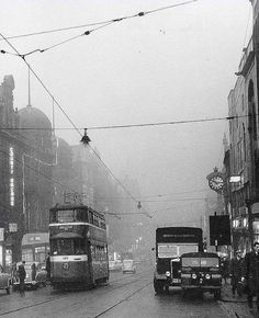 Old Street, Main Street, Old Pictures, Old Photos, Leeds City, Uk History, West Yorkshire, Sunderland, Back In The Day