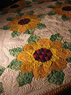 Sunflower quilt -- A Frayed of Fibers:
