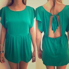 "Free people tie back dress Free people open back mini dress with tie neck. Flutter sleeves and front pockets. Length-30"", bust-31"", hips-38 . Polyester, size 6. This is green. Free People Dresses Mini"