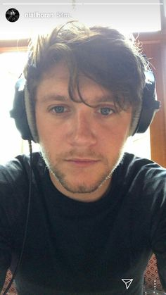 Niall via IG He's so cute and the fluffy hair❤❤❤ Ex One Direction, Irish Singers, Naill Horan, James Horan, Irish Men, Liam Payne, Favorite Person, Cool Bands, Future Husband