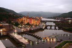 Lavasa is a great destination if you just want to chill and relax, play golf, go for long relaxing walks. The choice is yours!