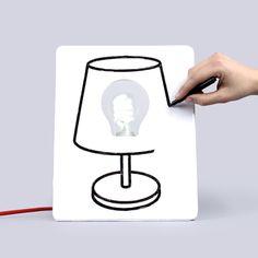 Drawlamp è una lampada in porcellana sulla quale è possibile scrivere,disegnare e cancellare tutte le volte che si desidera :una lampada nuova ogni giorno.