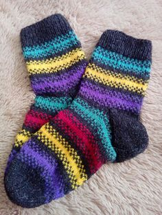 Носки вязаные спицами. Утилизация остатков пряжи. Zero, Socks, Diy, Tutorials, Bricolage, Sock, Do It Yourself, Stockings, Homemade