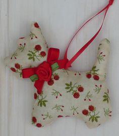 Scotty Dog + lavander Lavender Crafts, Lavender Bags, Lavender Sachets, Christmas 2014, All Things Christmas, Christmas Ornaments, Little Black Dog, Scented Sachets, Scottie Dogs
