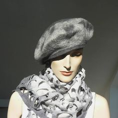Felt Hat Beret  wool cap grey handmade felted, www.majorlaura.etsy.com