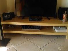 ΕΠΙΠΛΟ TV σε άριστη κατάσταση και διαστάσεις 35 x 1,49, τιμή 20€