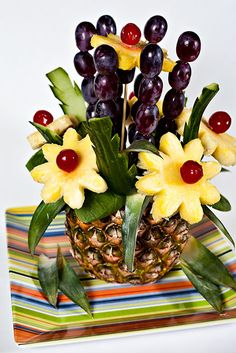 Pineapples Tables Centerpiece | Pineapple Centerpiece - Project 365: Day 96 | Matt Koenig Photography