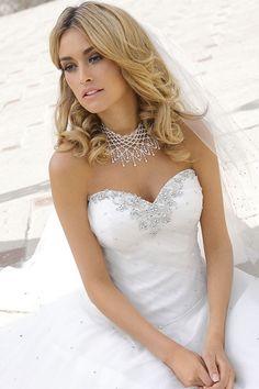 Bruidsjurken, trouwjurken, bruidsmode van Ladybird32019
