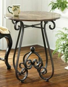 Iron Furniture, Furniture Design, System Furniture, Furniture Plans, Black Accent Table, Wrought Iron Decor, Design Tisch, Iron Table, Iron Doors