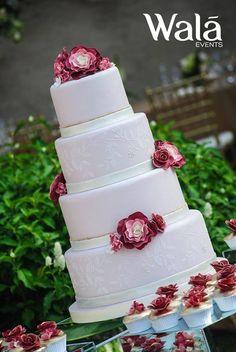 Un pastel de Película!!  Couture Cakes!!  Wala Events!!!