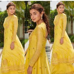 Alia, Varun, Madhuri,Sonakshi & Aditya Roy Paint The Town Yellow As They Promote Kalank In Delhi - HungryBoo Lehenga Designs, Kurta Designs, Dress Indian Style, Indian Dresses, Indian Suits, Indian Wear, Yellow Kurti, Wedding Function, Indian Wedding Outfits