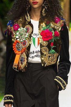Dolce & Gabbana SS 2017 Fashion show details