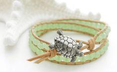 Pulseira com tartaruga marinha