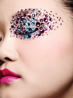 Qi Qiao by Eric Maillet for SKP #2 Spring 2015  bejeweled beauty