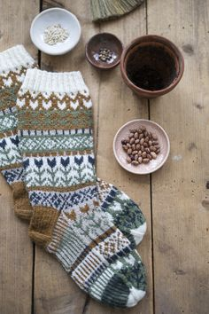 Knitting Socks, Mittens, Knit Crochet, Winter Hats, Wool Hats, Inspiration, Scarfs, Dyi, Gloves