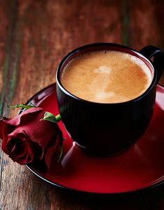 Te invito a un café y una rosa