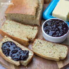 Cea mai buna paine keto / Best keto bread Best Keto Bread, Banana Bread, Goodies, Cakes, Desserts, Food, Kitchens, Sweet Like Candy, Tailgate Desserts