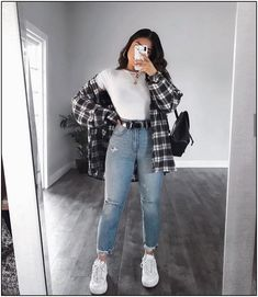 OOTD😍♥️Yayy or Nayyy? Swipe up to see the whole outfit.OOTD😍♥️Yayy or Nayyy? Swipe up to see the whole outfit. Trendy Fall Outfits, Basic Outfits, Casual Winter Outfits, Winter Fashion Outfits, Retro Outfits, Look Fashion, Stylish Outfits, Winter Dresses, Casual Summer