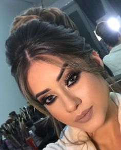 67 beautiful neutral makeup ideas for the prom party 4 Prom Makeup, Wedding Hair And Makeup, Bridal Makeup, Bridal Hair, Hair Makeup, Eye Makeup, Beauty Guide, Beauty Hacks, Beauty Makeup