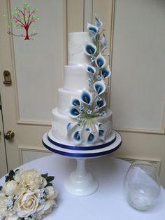 Floral Wedding Cakes Calla Lily Wedding Cake by Blossom Dream Cakes - Angela Morris - Royal Blue Wedding Cakes, Small Wedding Cakes, Floral Wedding Cakes, Beautiful Wedding Cakes, Wedding Cake Designs, Wedding Blue, Lily Cake, Calla Lily Wedding, Blue Cakes