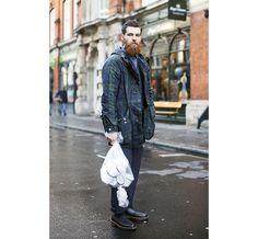Street looks à la Fashion Week homme de Londres http://www.vogue.fr/vogue-hommes/fashion-week/diaporama/fwah2015-street-looks-a-la-fashion-week-homme-automne-hiver-2015-2016-de-londres/21841/image/1130962