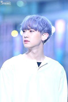 because exo with their boyfriend-materials-thingy will explode your imagination Kai Exo, Park Chanyeol Exo, Exo Chanyeol, Kyungsoo, Exo Ot12, Chanbaek, Baekyeol, The Blue Boy, Xiuchen