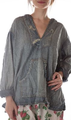 Cotton Denim Baja Poncho with Mending, Patching and Distressing, Magnolia Pearl Magnolia Pearl, Bell Bottom Jeans 70s, Ropa Shabby Chic, Poncho Tops, Hippie Style, Hippie Chic, Vintage Fabrics, Boho Gypsy, Scrappy Quilts