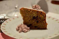 Haselnuss-Kaffee-Schoko-Kuchen mit Rotweinsahne