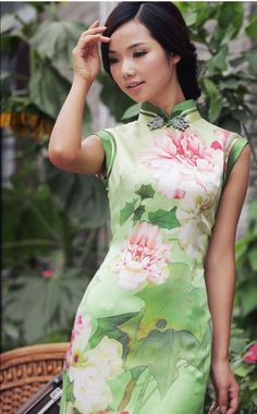 Green lotus qipao