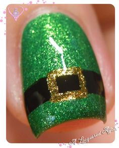 St. Patrick's Day nail art - Leprachaun's outfit