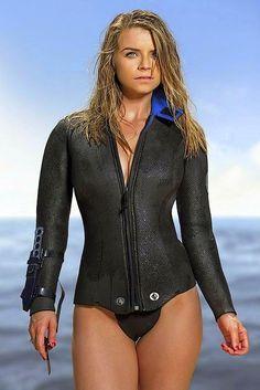 Sexy Bikini, Bikini Girls, Diving Wetsuits, Scuba Girl, Womens Wetsuit, Female Pictures, Fashion Photography Poses, Sport Girl, Women Wear