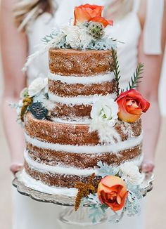 One of the things I love most about wedding world in the internet age is that when a gorgeous new trend comes along, all the amazing creative hands and minds across the globe take it as a challenge…