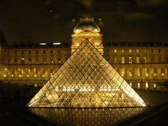 Mona Lisa's house - The Louvre - outside Pyramid entrance