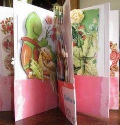 Binnenkant. Boekje uit 1 vel papier gemaakt. In het boekje kun je o.a. 3D plaatjes bewaren.