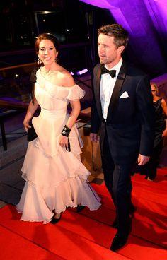 Princess Mary Photos - Prince Frederik and Princess Mary Visit Sydney - Zimbio