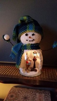 Hottest Photos Xmas crafts snowman Concepts Enjoying a evening of Christmas hobby thought brainstorming. Snowman Party, Snowman Christmas Decorations, Snowman Crafts, Christmas Centerpieces, Diy Christmas Gifts, Christmas Snowman, Christmas Projects, Holiday Crafts, Christmas Ornaments
