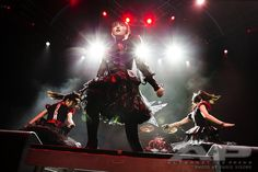 "Alternative Press on Twitter: "".@BABYMETAL_JAPAN striking a pose at the #APMAS. Who was your fav performance? ( :…"