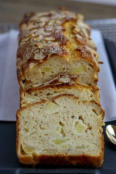Healthy apple quark cake made from rice flour // gluten-free & pro Gesunder Apfel-Quark Kuchen aus Reismehl // glutenfrei & proteinreich Healthy apple quark cake made from rice flour // gluten-free & high in protein - Apple Cake Recipes, Healthy Dessert Recipes, Healthy Baking, Apple Desserts, Drink Recipes, Dessert Sans Gluten, Bon Dessert, Mousse Dessert, Mug Cakes