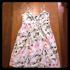 Price Drop! H&M cotton floral dress NWT Tags still on, never been worn (wrong size) summer dress. Side zipper. Bundle for more discounts! H&M Dresses Midi