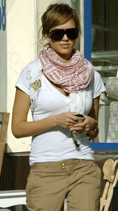 http://www.fashion-tips.co.uk/image.axd?picture=pashmina3.jpg