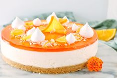 Aperol cheesecake - kagen til din næste fest Baileys Cheesecake, Cheesecake Desserts, No Bake Desserts, Dessert Recipes, Amazing Food Photography, Aperol, New Cake, Mousse Cake, Pastry Cake