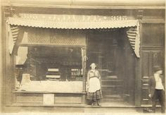Jacob Dudt, later his son John Henry Dudt Bakery.  Made the BEST  chocolate cake, iced with cooked vanilla icing, and sprinkled with chopped walnuts.  Jacob immigrated from Germany and located the family bakery at 335 Pearl Street, Pittsburgh, PA.